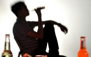 một số điều cần biết về viêm gan do rượu
